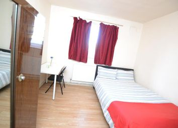 Thumbnail Room to rent in Colebert Avenue, London