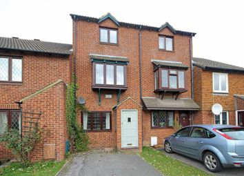 Thumbnail 3 bed property to rent in Kings Chase, East Molesey