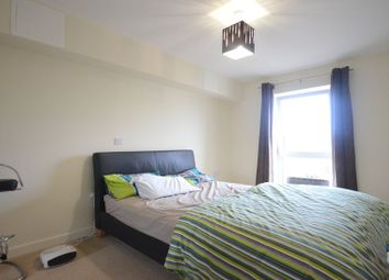 Thumbnail 1 bedroom flat to rent in Whale Avenue, Reading