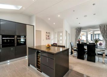 Thumbnail 2 bed mobile/park home for sale in Franklins Avenue, Pilgrims Retreat, Maidstone, Kent