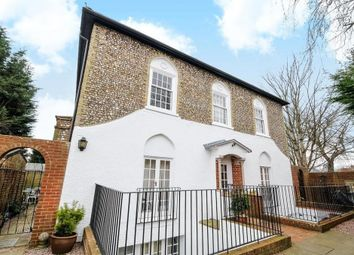 Thumbnail 1 bed flat to rent in St Pauls Road, Chichester