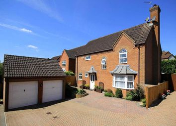 Thumbnail 4 bed detached house for sale in Larkspur Close, Hemel Hempstead
