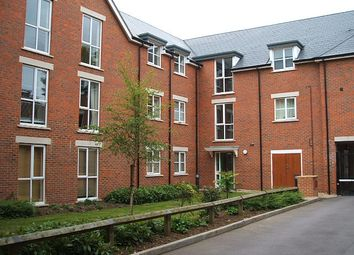 Thumbnail 2 bed flat to rent in 55 Silver Street, Readong