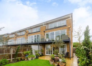 4 bed end terrace house for sale in Barn Elms Close, Worcester Park KT4