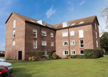 Thumbnail 2 bed flat to rent in Hillrise, Walton-On-Thames