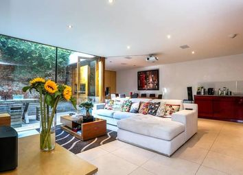 Thumbnail 2 bed terraced house for sale in Chapel Market, London