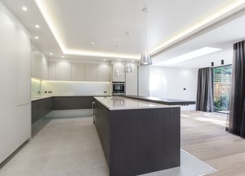 Thumbnail 5 bed property to rent in Princes Gate Court, London