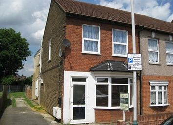 Thumbnail 1 bed flat to rent in Marks Rd, Romford