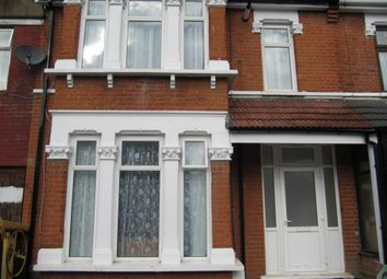 Thumbnail 3 bed flat to rent in Felbrigge Road, Seven Kings