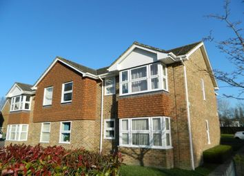 Thumbnail 2 bed flat to rent in Bowes Close, Horsham