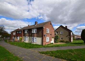 Thumbnail 2 bedroom flat for sale in Mendip Crescent, Westcliff-On-Sea