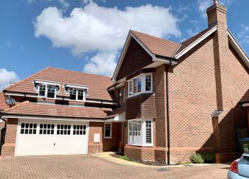 Fairway Close, Esher KT10. 5 bed detached house