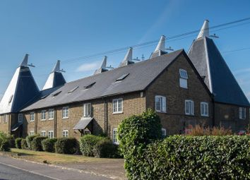 Thumbnail 2 bed flat for sale in London Road, Teynham, Sittingbourne