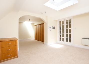 Thumbnail Studio to rent in Hatch Lane, Windsor