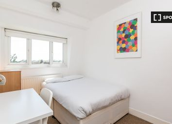 Room to rent in St. John's Drive, London SW18