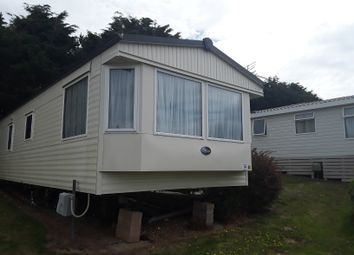 2 bed mobile/park home for sale in Shorefield Road, Milford On Sea SO41