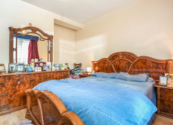 Thumbnail 2 bed flat for sale in Stockwell Gardens Estate, Stockwell, London