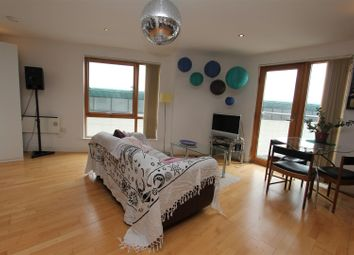Thumbnail 1 bed flat for sale in Mcclintock House, The Boulevard, Leeds
