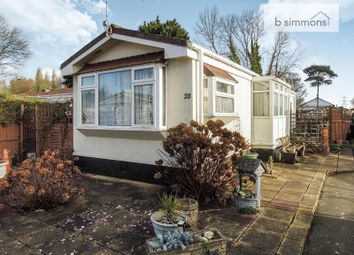 Thumbnail Mobile/park home for sale in Orchard Way, Orchards Residential Park, Slough