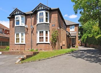 Thumbnail 1 bed flat to rent in High Wycombe, Buckinghamshire