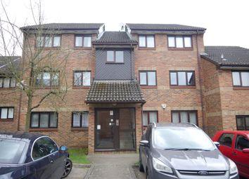 2 bed flat to rent in Tudor Close, Hatfield AL10