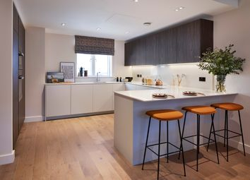 Thumbnail 2 bed flat for sale in Bishops Gate, Fulham