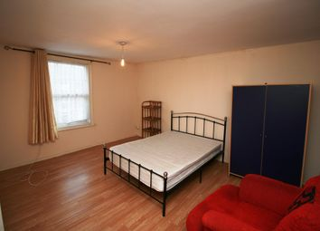 Thumbnail 3 bed flat to rent in Barrack Street, Colchester