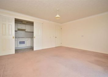 Thumbnail 1 bed flat to rent in Queens Crt, Queens Parade, Cliftonville