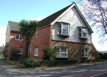 Thumbnail 2 bed flat to rent in Midhurst Road, Fernhurst