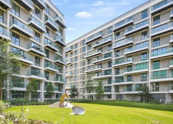 2 bed flat to rent in Fairwater House, Royal Wharf, London E16