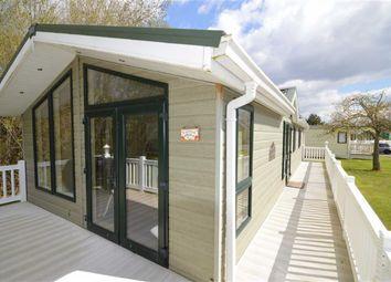 Thumbnail 3 bedroom mobile/park home for sale in Shorefield Road, Downton, Lymington