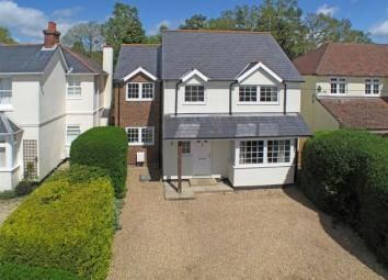 Thumbnail 4 bed detached house to rent in Pinehill Road, Crowthorne