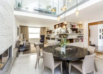 Thumbnail 4 bedroom mews house for sale in Noble Yard, London