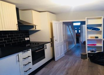 Thumbnail Room to rent in Compton Avenue, London