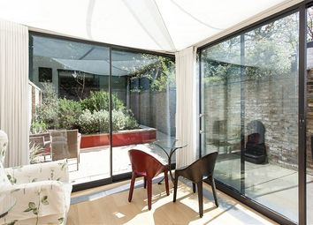 Thumbnail 3 bed flat to rent in Palace Gardens Terrace, London