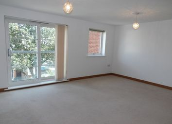 2 bed flat to rent in Honiton Road, Southend-On-Sea SS1