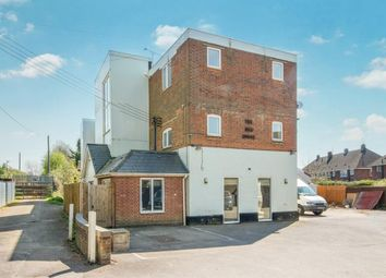 Thumbnail Flat to rent in Station Approach, Romsey