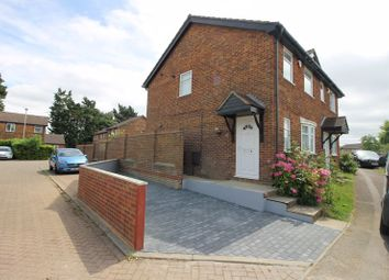 3 bed terraced house to rent in Rodeheath, Leagrave, Luton LU4