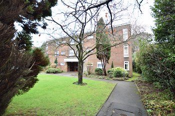 Thumbnail 2 bedroom flat to rent in Apsley Court, Wellington Road, Charminster