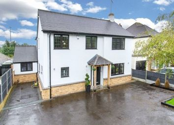 Thumbnail 4 bed detached house to rent in Grange Crescent, Chigwell