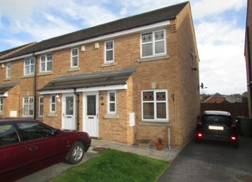 Thumbnail 2 bed town house to rent in Hoctun Close, Glasshoughton, Castleford
