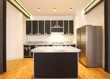 Thumbnail 3 bed flat to rent in Globe House, Crucifix Lane, London