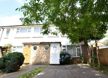 3 bed property for sale in Singret Place, Cowley, Uxbridge UB8