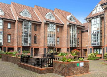 Thumbnail 4 bedroom terraced house to rent in Windsor Way, London
