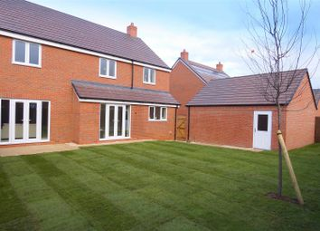 Thumbnail 5 bed detached house for sale in Ettington Road, Wellesbourne, Warwick