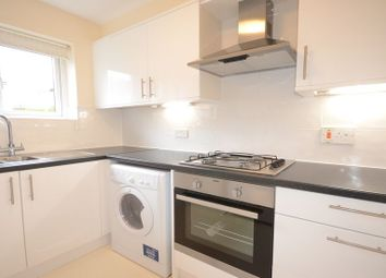 Thumbnail 1 bed flat to rent in Imperial Road, Windsor