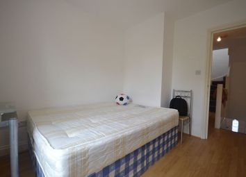 Thumbnail 2 bed flat to rent in Skeltons Lane, London