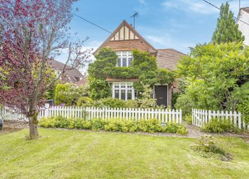 3 bed detached house for sale in Alfold Road, Cranleigh GU6
