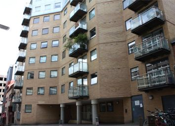 1 bed flat to rent in Projection West, Merchants Place, Reading, Berkshire RG1