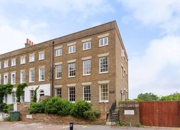 Hampton Court Road, Hampton Court, East Molesey KT8. 4 bed terraced house